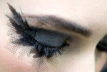 Make up / by Sara Duran