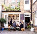 My bakery / Een klein artisanaal bakkerijtje naast mn huis met een raam vol brood en koekerijen waar je niet kan aan weerstaan ✨