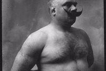 Movember / La Bibliothèque bourguignonne se laisse pousser la moustache en soutien à l'opération #Movember : 30 jours d'action pour empêcher les hommes de mourir trop jeunes !