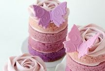 Purple cakes / Cupcakes, cakes and cookies all in shades of sweet purple!