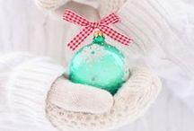Christmas Craft / We just love Christmas, so anything celebrating the season makes us smile - #Christmas #Craft #ChristmasCraft #Art #Projects #ChristmasProjects #Holidays #HolidayCrafts #Ideas #Children  / by Zoe Clark-Coates