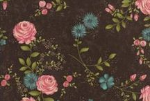 Rambling Roses / Enjoy this light and happy collection of florals and coordinating fabrics by Moda at Friendship Star Quilt Shop.