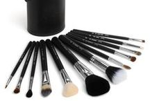 Brushology / Perfect make up brushes can change the look and longevity of your make up. Buy the original brands through backpack. com no matter which part in the world you live with minimum price.