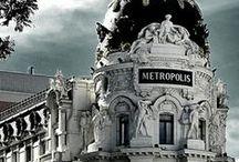 Places I've been  / villes , musées , opéras , cafés , hôtels ,restaurants ... mes plus beaux souvenirs , mes endroits préférés .