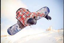 SNOWBOARDING / Nice action image