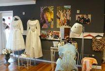 Interieur thema's / We decoreren en stylen onze winkel in diverse thema's. Zoals Alice in Wonderland, Vintage en back to the sixties.