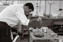 Taky / Javier R. Ponte 'Taky' es el jefe de cocina de Boketé, y un reputado chef formado en  varios restaurantes de talla michelin tanto nacionales como internacionales. Ha sido campeón de España de cocineros en el año 2000 y tres veces campeón gallego. En Boketé nos propone una cocina gallega actual con pinceladas internacionales y llena de sabor.