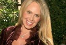 Doreen Virtue / Doreen Virtue az angyali birodalommal dolgozó tisztánlátó, a pszichológia doktora, számos bestseller szerzője.