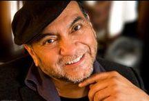 Don Miguel Ruiz / Don Miguel Ruiz mexikói tolték sámán, a Sas Lovagok leszármazottja arra hivatott, hogy megossza velünk ősei bölcsességét.