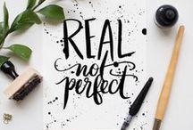 LETTERING künstlerische Handschrift / Ich liebe schöne Schrift bzw. originelle Beschriftungen,  Dabei ist mir die freihand Beschriftung lieber, als eine korrekte, akkurate Schrift, die im Gegensatz zur ersten oftmals steif und langweilig wirkt.