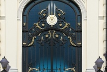 Famous Doors / A short story of many important worldwide door, available on facebook.com/flessya.  Read it and share the History!
