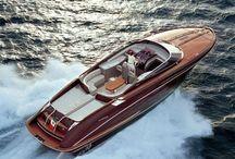 Yachts, Motor