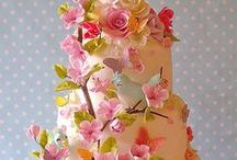 The 'Art' of the Cake / These are amazing works of art. / by Julie Ranae