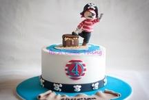Anniversaire pirate / Pirate birthday / Tout pour réussir un anniversaire sur le thème des pirates : invitations, gâteaux, décoration et jeux !