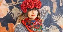 """- Collection Foulard Folk By Le Bazar des poupées Russes - / Notre collection de foulard """"Folk"""" fleurie et colorée se décline en différents coloris. Le Bazar des poupées Russes met en avant l'esprit coloré et bohème des pays baltes. Pour créer nos collections, nous nous inspirons du Folklore des pays Baltes, Terre de nos ancêtres."""