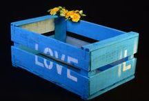 Cajas de fruta de madera / Revistero, almacenaje, estantería, cama para mascotas, mesita baja, son muchas y muy prácticas las opciones que nos brindan las cajas de fruta de madera a la hora de decorar.  Hemos repuesto stock ¡podéis consultar modelos, medidas y colores en la web!