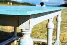 """Mesa de comedor. Acabado """"decapé"""" Blue&White"""