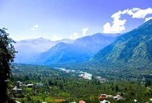 Himalayas Kullu Valley, India / Sandwiched between mountains, with the silvery Beas river flowing through it for miles on end. Many smaller valleys tucked in and around the major valley. A great place to practice yoga, that's why we have selected it as one of our spots for the yoga teacher training courses we offer.