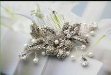 Wedding Ideas: Headpieces / Adorn your wedding hair with bespoke, vintage or modern jewels, feathers and lace. It's your special day and you can add these touches to make you look even more drop dead gorgeous.