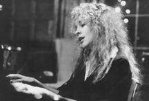 Stevie Nicks / Rock on Gold Dust Woman...