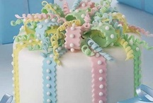 AMAZING DECORATED CAKES / by Linda Goldsmith