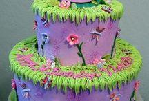 DECORATING CAKES