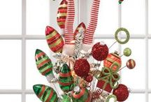 Magical Christmas Trees / Discover the magic of Christmas trees.  From traditional, themed, fantasy, to color coordinated.