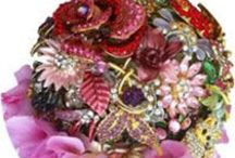 Brooch Bouquets, Bouquets of Jewels and Gems. / Bouquet Inspiration for brooch bouquets, jewel bouquets and bouquets that sparkle. www.iridescentblushblooms.com