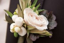 Buttonholes and boutonniere / Groom, bestman, wedding party, father's boutonnière and buttonholes.