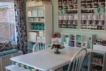 Sewing Room Ideas / Sewing room decorating ideas we absolutely love!