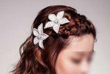 Fleurs de coiffure mariage /  fleur coiffure mariée en satin, soie, tulle, organza, plumes pour votre coiffure de mariée