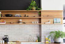K I T C H E N / decoração minimalista, decoração colorida, inspiração de decoração, inspiração de design de interiores, cozinhas aconchegantes, cozinha rústica, cozinha industrial, integração de ambientes, minimalist decor, colorful decor, decor inspiration, interior design inspiration, cozy kitchen, industrial kitchen design