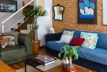 L I V I N G // R O O M / decoração para sala de estar, decoração minimalista, decoração colorida, inspiração de decoração, inspiração de design de interiores, salas de estar aconchegantes, sala de estar rústica, sala de estar industrial, integração de ambientes, minimalist decor, colorful decor, decor inspiration, interior design inspiration, cozy living room, industrial living room