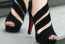 Shoes & Pumps / Make the beautiful and elegant shape foots.