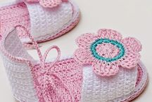 Crochet Baby Booties / by Bonnie Parsons