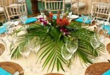 Tropical Centerpiece / Tropical centerpiece ideas for any special event.