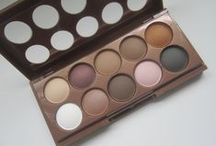 Beauty Product Reviews / Beauty product reviews of lipsticks, eye shadows, blush and more.