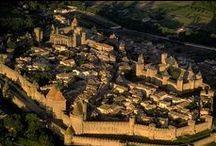 Camping in Languedoc-Roussillon / Die französische Region Languedoc-Roussillon liegt an der südlichen Küste des Landes, zwischen dem Mittelmeer und den Pyrenäen. Wegen der wunderbar entspannten Atmosphäre ist Languedoc der perfekte Ort, einen erholsamen Urlaub inmitten atemberaubender Natur zu erleben. Und trotzdem ist die Region bekannt für spannende Städte, wie Montpellier, Perpignan und Carcassonne. http://www.canvasholidays.de/zielgebiete/camping-in-frankreich/languedoc-roussillon