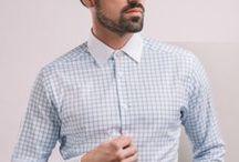 Koszula w biało – niebieską kratę / Wykonana z miękkiej i przewiewnej tkaniny. Kołnierz włoski, biały. Kontrastowe mankiety.  100% bawełna Oxford fason: SLIM