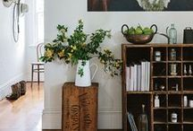 Country Style – Hallways & Entrances / Clever ideas for beautiful storage and pretty vignettes.