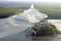Abbaye du mont saint Michel / Le Couesnon dans sa folie A mis le mont en Normandie