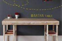 Vuelta al cole. / Los niños necesitan tener su propio espacio. Un lugar equipado para jugar, divertirse, desarrollarse y, por qué no, cumplir con sus tareas. Por eso aquí os presentamos escritorios echos a medida para adaptarse a todas las necesidades.