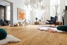 Parquet minimalista. / Los estilos y diseños minimalistas para el hogar cada día son más populares en los interiores de nuestras casas.Aunque todos tenemos gustos distintos relacionados con lo que consideramos estético y elegante, las tendencias minimalistas son unas de las más importantes y actuales.Os presentamos parquets minimalistas llenos de funcionalidad.