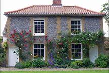 Inspirational Houses: English.