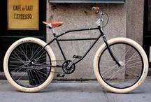 Bicis, Motos y Motonetas. / by Octavio