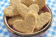 Homemade dog treats / Get inspired by these homemade dog treats we find. Make these simple recipes for your furry friend. My dogs love peanut butter and pumpkin ones. I bet yours will too.