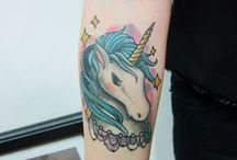 tatuointeja ja koruja ja muuta