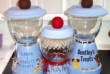 Homemade Doggy Treats / Recipes for homemade doggy treats and containers to keep them in. (Please consult your veterinarian for any food allergies.) http://gemladytreasures.com