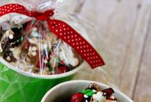Holidays / Christmas, Easter, Thanksgiving and 4th of July crafts and recipes.