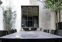Outside the house - Buitenshuis / Interieurontwerp | interieuradvies | nieuw interieur | kleurenplan | kleurcombinaties | plattegrond |  3d-visualisaties | interieurontwerper | interieurarchitectuur | interieurarchitect | verhuizing | verhuizen | woonideeen | tuin | patio | terras | veranda